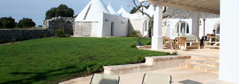 Exterior view of La Rosa dei 4 Venti in Puglia, Italy