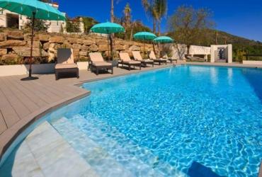 Swimming pool at Shanti Som