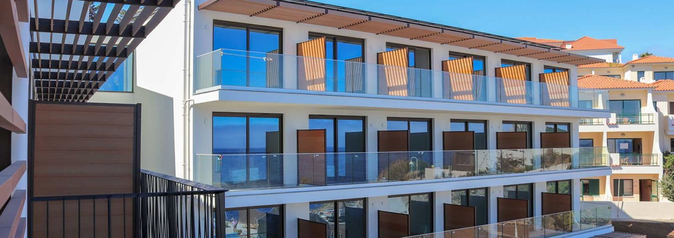 Sea facing rooms with balconies at Galomar